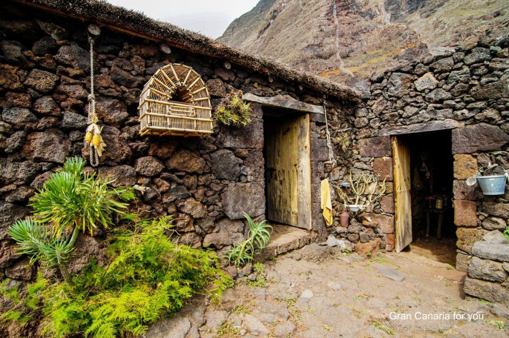 el-hierro-opustene-domy