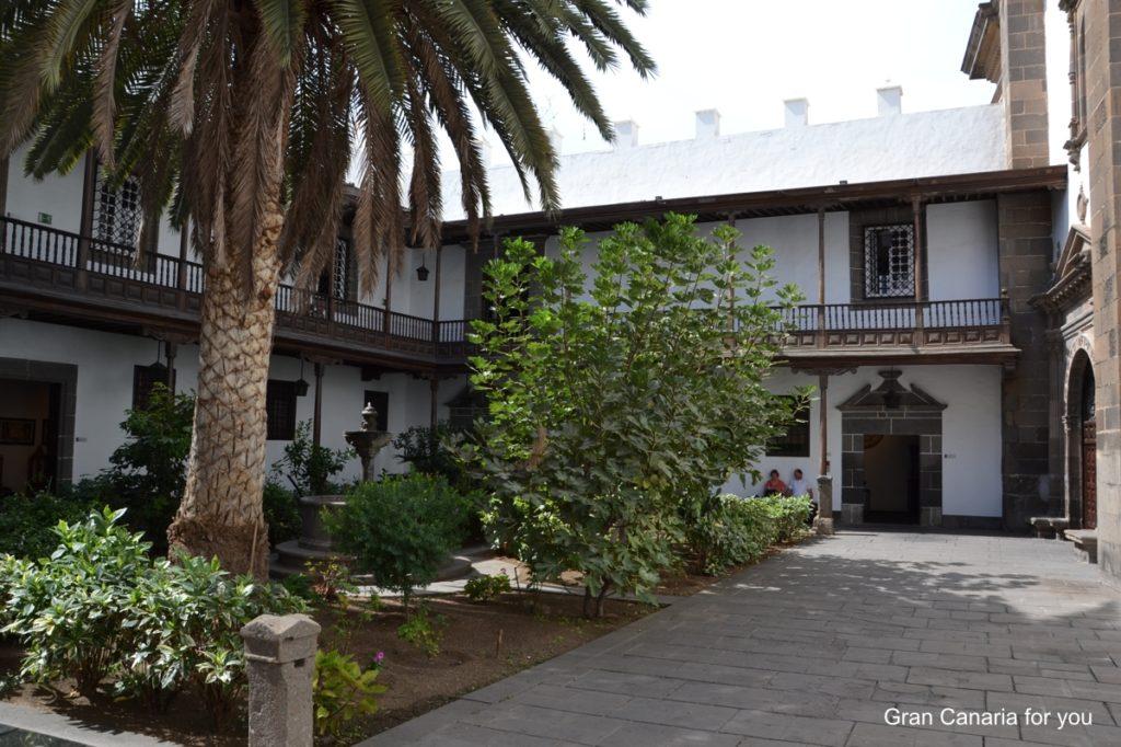 las-palmas-museo-diocesano-de-arte-sacro-nadvorie