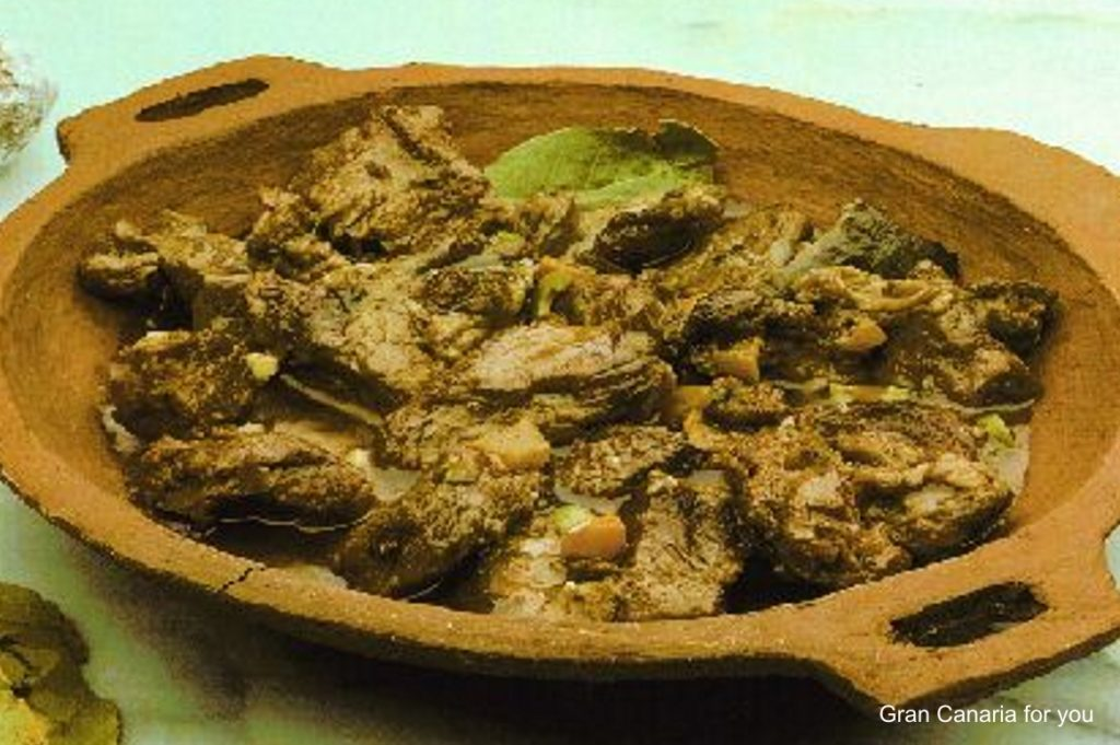 gastronomia-11-carne-de-cabra-compuesta
