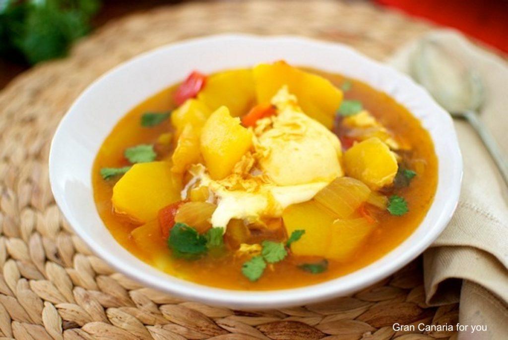 gastronomia-7-caldo-de-papas-y-cilantro
