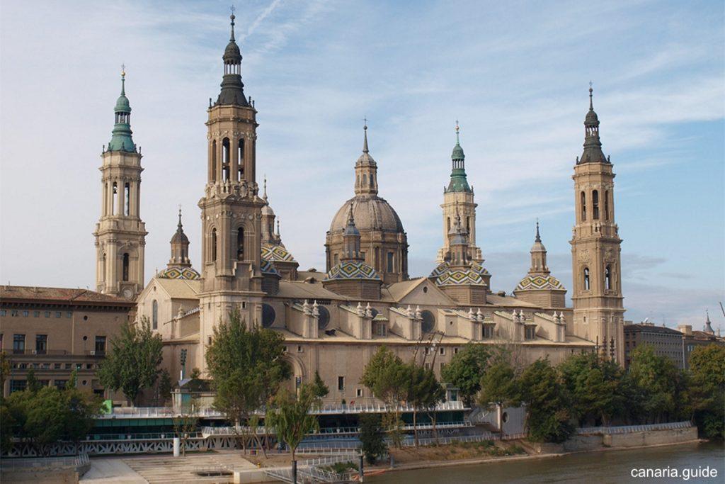 dia-de-la-hispanidad-3-basilica-del-pilar-zaragoza
