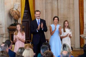 Kráľ Felipe VI. s manželkou Letíciou a dcérami Leonor a Sofiou