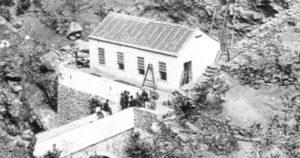 Elektráreň spoločnosti El Electrón počas výstavby v roku 1893.